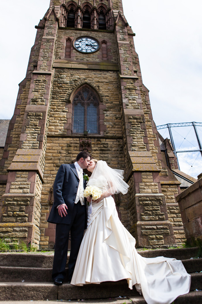 Wedding Photography Liverpool Louise Amp Kenny At The Mal